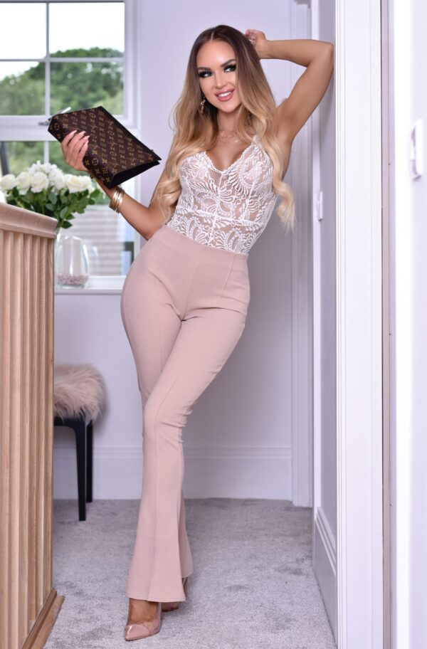 Pantaloni eleganti de dama evazati bej