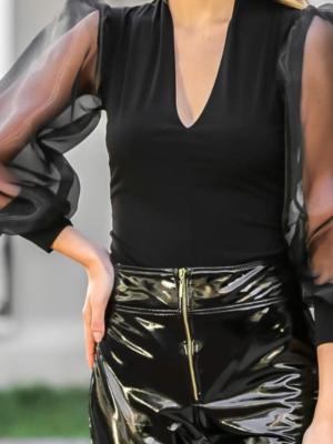 Body negru elegant cu maneci transparente